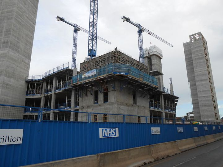 New_Royal_Liverpool_Hospital,_under_construction_(1)